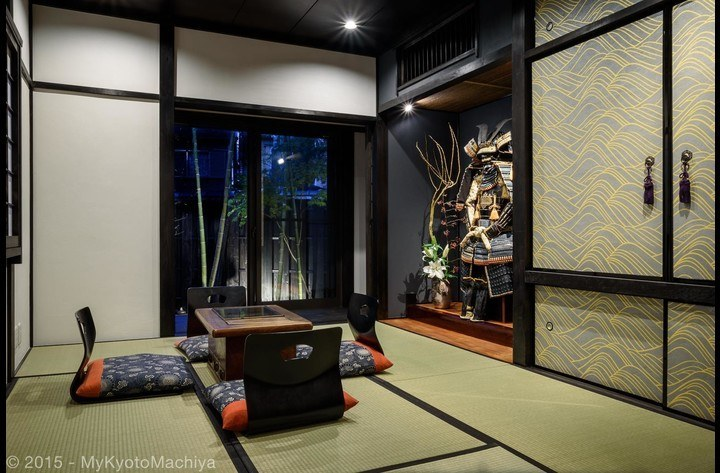 The living room overlooking the garden.  Samurai Joe is in the tokonoma (alcove)