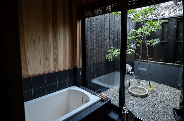 The Tsuboniwa or Courtyard garden, with Momiji (mapple) trees seen from the bathroom - very relaxing!