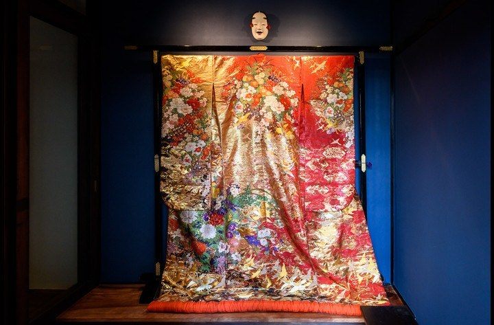 The entrance, with the traditional wedding kimono